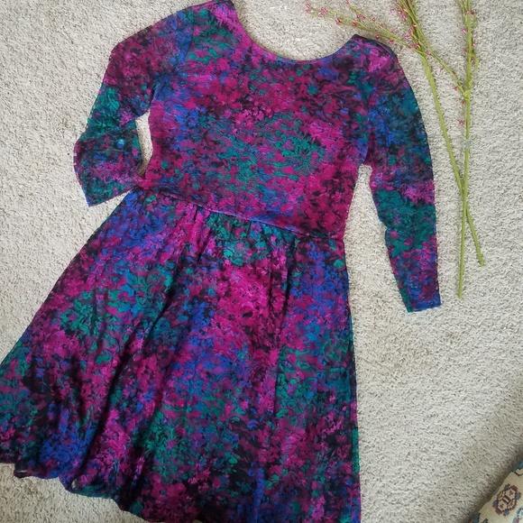 Xhilaration Dresses & Skirts - Xhiliration Embossed Lace Babydoll Dress
